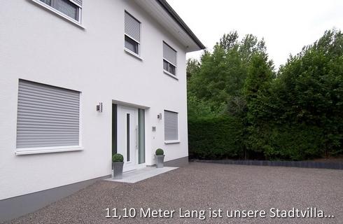 Unsere Artos Haus Stadtvilla ist mit einer 2,10 m breiten Haustüranlage ausgestattet.