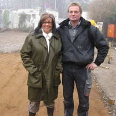 Die Bauherrin mit Michael Kempe, dem Chef der Rohbau-Firma