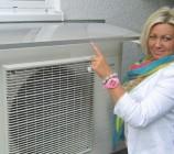 Überdachung unserer Daikin Wärmepumpe mit einem Dusar Vordach