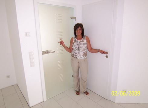 2 der 12 eingebauten Türen...